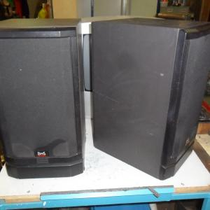 2 BNS luidsprekers, 90 watt, 2,5 way (a3)30